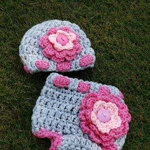 Other - 🐞On sale🐞Chunky flower,diaper cover set